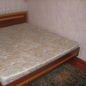 Срочно продам двухспальную кровать