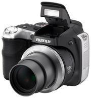 Продаю полупрофессиональный фотоаппарат Fujifilm FinePix S8000fd